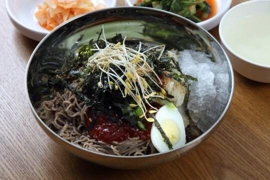 韓国の麺料理マッククス