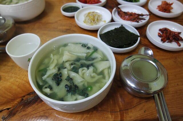 韓国の麺料理スジェビ
