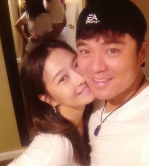 秋信守と妻